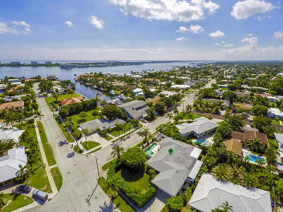 Lake Worth Single Family Home For Sale: 2415 Lakeside Drive