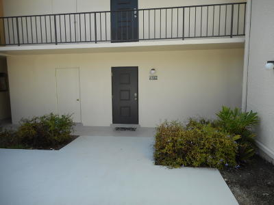 West Palm Beach Condo For Sale: 1801 Presidential Way #D103