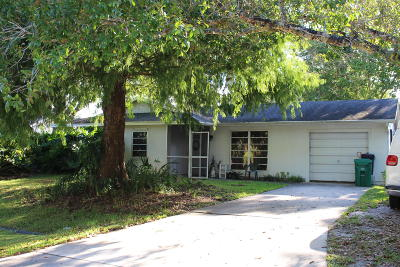 Port Saint Lucie Single Family Home For Sale: 2017 SW Tropical Terrace