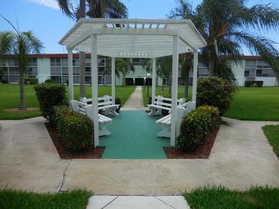 Palm Springs Condo For Sale: 3100 Springdale Boulevard #208