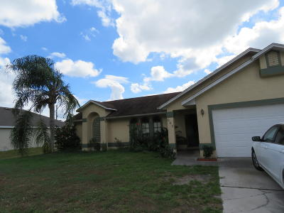 St Lucie County Single Family Home For Sale: 668 SW Hillsboro Circle