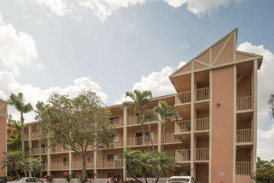 Delray Beach Condo For Sale: 7290 Ashford Place #102