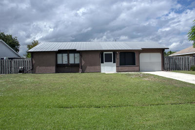 St Lucie County Single Family Home For Sale: 2517 SE Grand Drive SE