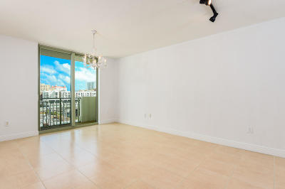 West Palm Beach Condo For Sale: 610 Clematis Street #618