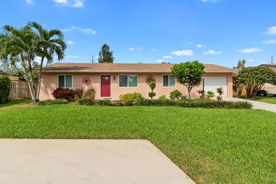 Lake Worth Single Family Home For Sale: 6733 Westview Drive