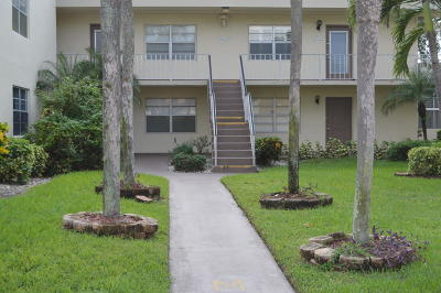 Delray Beach Condo For Sale: 610 Normandy M