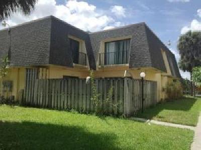 West Palm Beach Townhouse For Sale: 1845 Congress Avenue