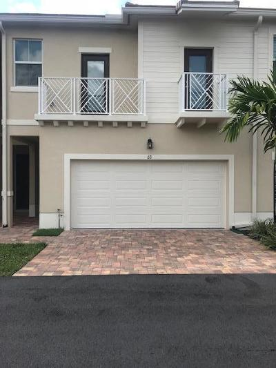 Royal Palm Beach Townhouse For Sale: 63 Dogwood Court