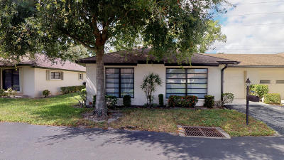 Boynton Beach Single Family Home For Sale: 4944 Equestrian Circle #A