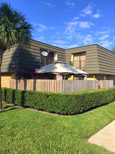 West Palm Beach Townhouse For Sale: 2701 27th Way #2701