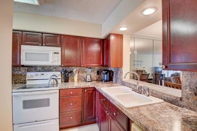 Delray Beach Condo For Sale: 13725 Via Aurora #77