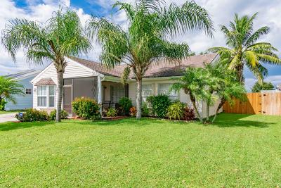 Lake Worth Single Family Home For Sale: 7822 Blairwood Circle
