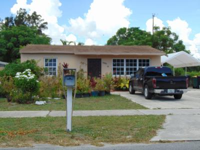 Lake Worth Single Family Home For Sale: 1237 S E Street