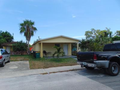 Lake Worth Single Family Home For Sale: 208 S E Street