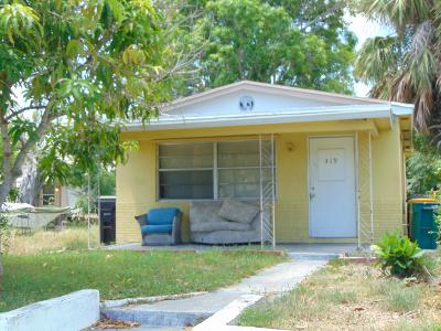 Lake Worth Single Family Home For Sale: 319 S E Street