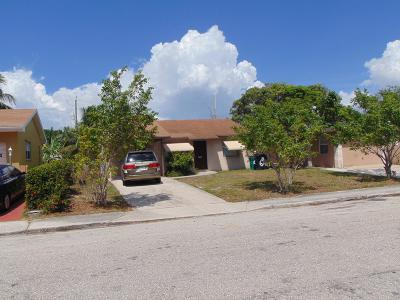 Lake Worth Single Family Home For Sale: 611 S C Street