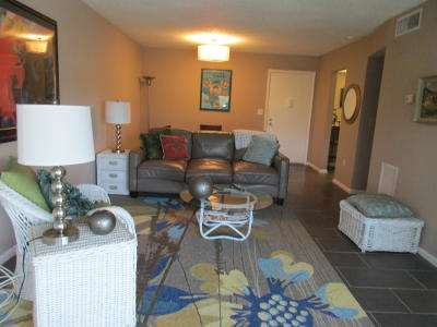 Palm Springs Condo For Sale: 504 Davis Road #84