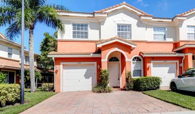 Delray Beach FL Townhouse For Sale: $299,000