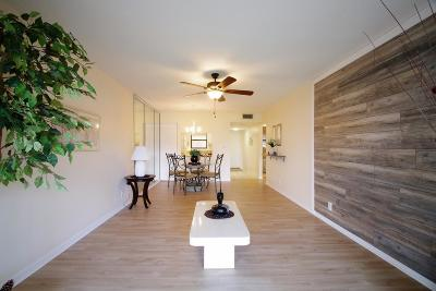 Boynton Beach Condo For Sale: 2121 W Woolbright Road #K202