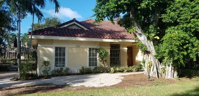 Delray Beach Single Family Home For Sale: 2601 Hampton Circle