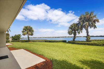 North Palm Beach Condo For Sale: 126 Lakeshore Drive #G-33