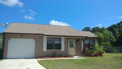 Port Saint Lucie Single Family Home For Sale: 2491 SE Meadwood Court