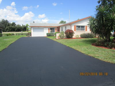 Greenacres Single Family Home For Sale: 6107 Rainbow Circle