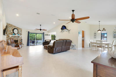 Martin County Single Family Home For Sale: 4999 SE Pine Ridge Way
