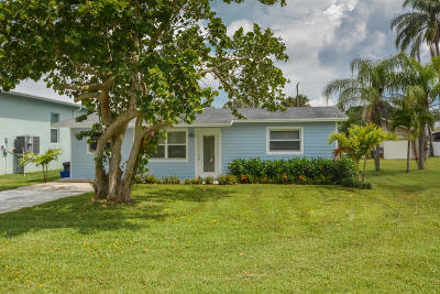 Martin County Single Family Home For Sale: 933 SW 35th Street