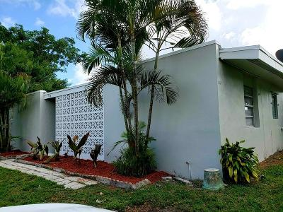 Lake Worth Single Family Home For Sale: 568 Tallulah Road