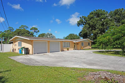 Fort Pierce Single Family Home For Sale: 801 S Jenkins Road