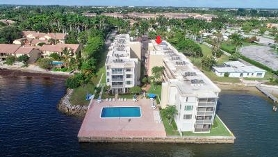 Boynton Beach Condo For Sale: 1820 New Palm Way #208