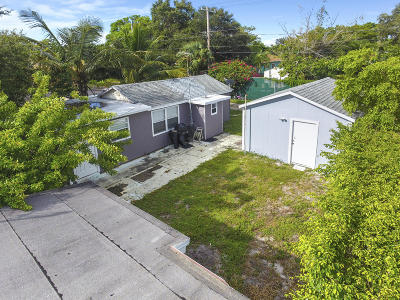 Lake Worth Multi Family Home For Sale: 923 Federal Highway