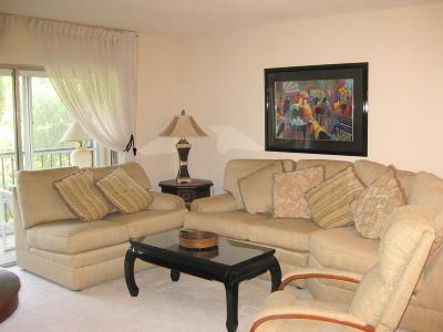 Delray Beach Condo For Sale: 7281 Amberly Lane #206