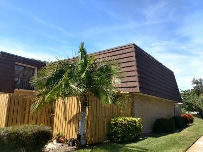 Palm Beach Gardens FL Townhouse For Sale: $239,900