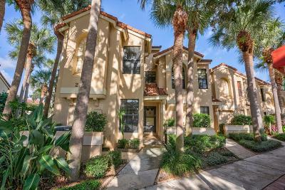 Palm Beach Gardens Townhouse For Sale: 2359 Treasure Isle Drive #30 W/Doc