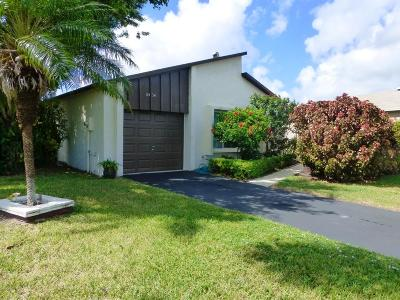 Boynton Beach Single Family Home For Sale: 5454 Mirror Lakes Boulevard