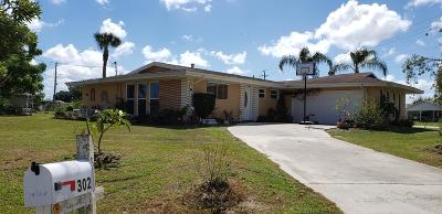Port Saint Lucie Single Family Home For Sale: 302 SE Verada Avenue