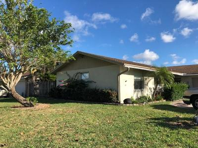 Lake Worth Single Family Home For Sale: 5286 Woodstone Circle W