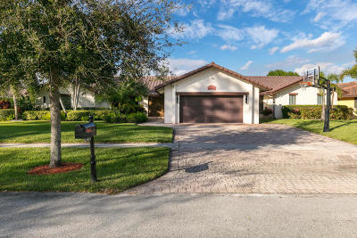 Boca Raton Single Family Home For Sale: 7675 Estrella Circle