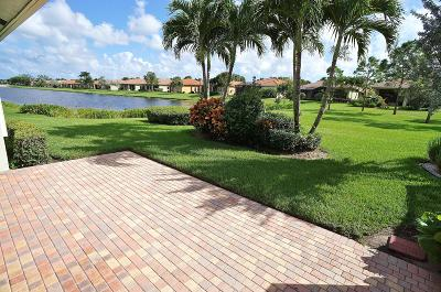 Boynton Beach Single Family Home For Sale: 7183 Boscanni Drive