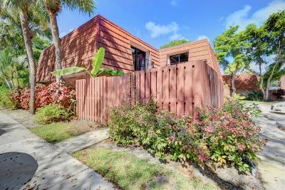 Delray Beach Townhouse For Sale: 1450 Masters Circle #165