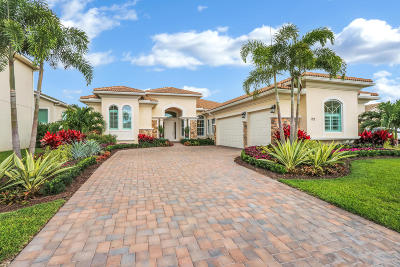 Jupiter Single Family Home For Sale: 122 Carmela Court