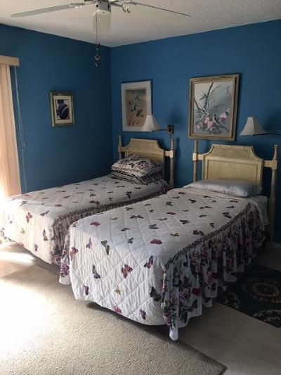 Vero Beach Condo For Sale: 21 Pine Arbor Lane #107