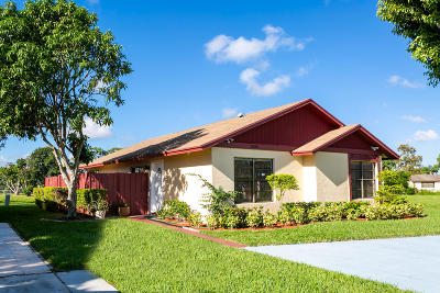 West Palm Beach Single Family Home For Sale: 5450 Mendoza Street