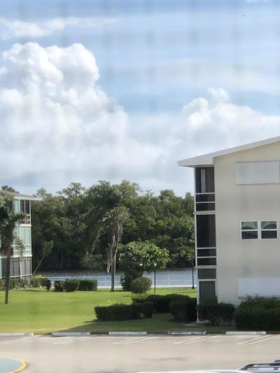 Boynton Beach Condo For Sale: 560 Horizons Boulevard W #206