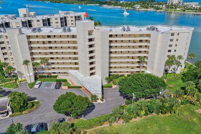 Tequesta Condo For Sale: 19800 Sandpointe Bay Drive #208