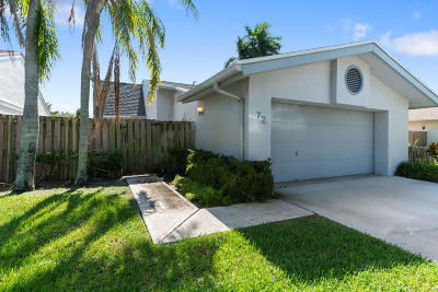 Boynton Beach Single Family Home For Sale: 72 Baytree Lane