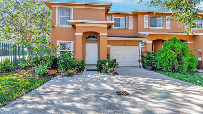Palm Springs Townhouse For Sale: 144 S Palm Villas Way