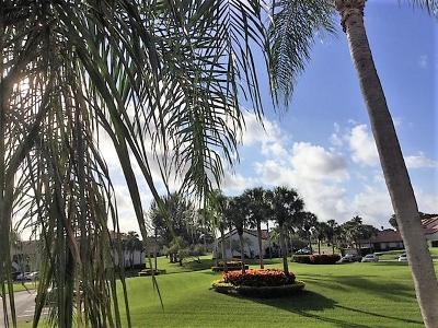 Boynton Beach Condo For Sale: 5943 Parkwalk Drive #5943